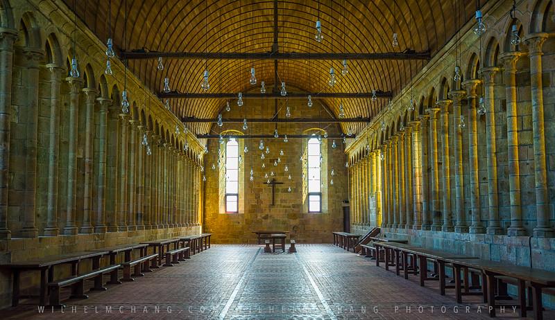 Mont-St-Michel-Abbey-Hall.jpg