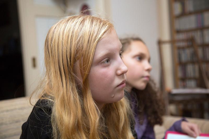 Oorlog in mijn buurt, kinderen uit de pijp interviewen de heer Dubiez over zijn kinderjarentijdens de oorlog, 23 november 2012, foto: Katrien Mulder