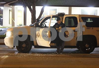 Gladstone police officer shot, suspect dead