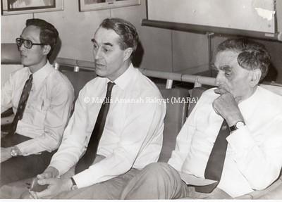 1975 - LAWATAN PROFESOR UNIVERSITI UK KE MRSM SEREMBAN