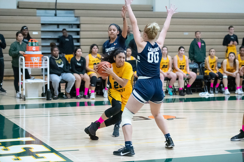 Basketball-W-2020-01-31-7829.jpg