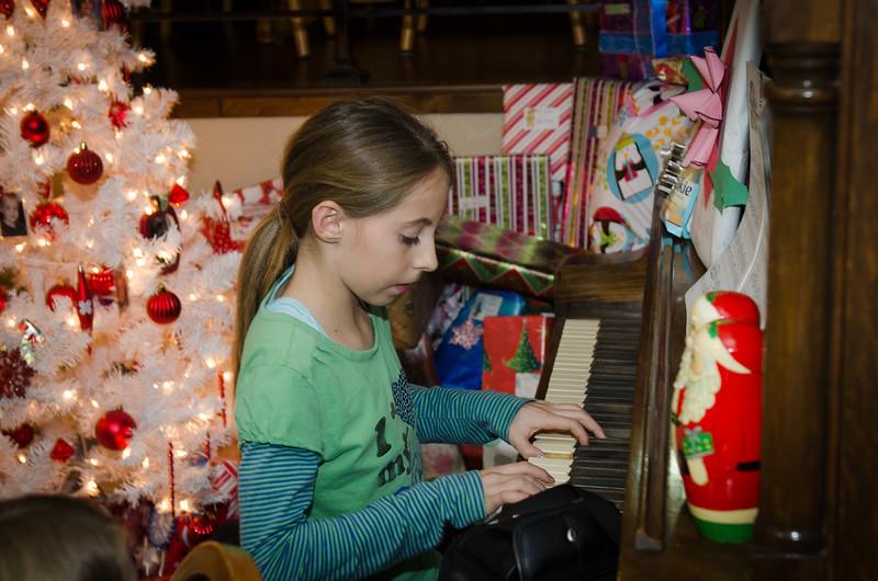 20121224_ChristmasEve_1033.jpg
