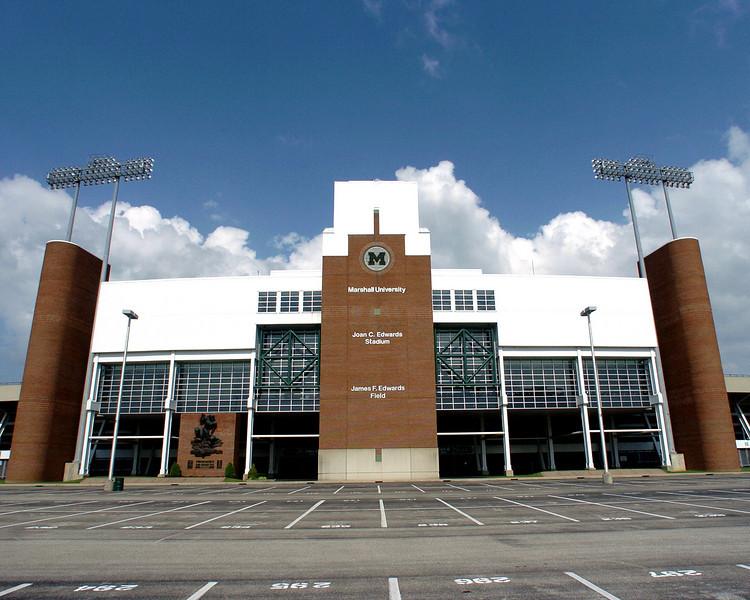 stadium1061.jpg