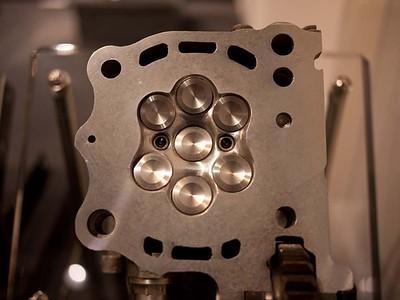 Yamaha SEVEN (Yes 7...!!!) Valve head experiment
