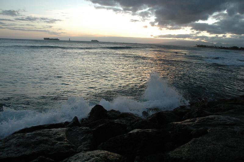 Hawaii - Ala Moana Beach Sunset-99.JPG