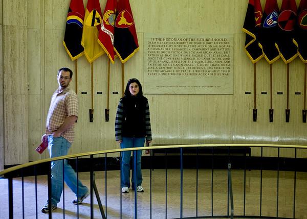 2008-10-20 - Douglas MacArthur's Tomb