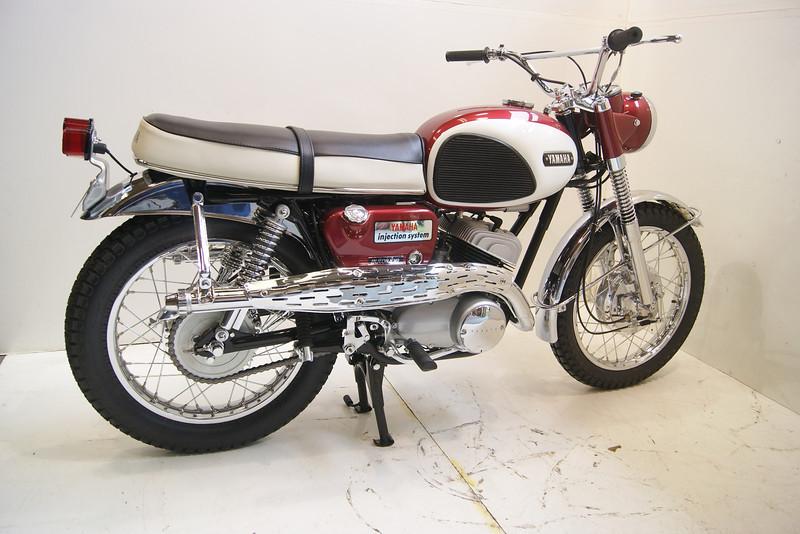 1967 YDS3C 020.JPG