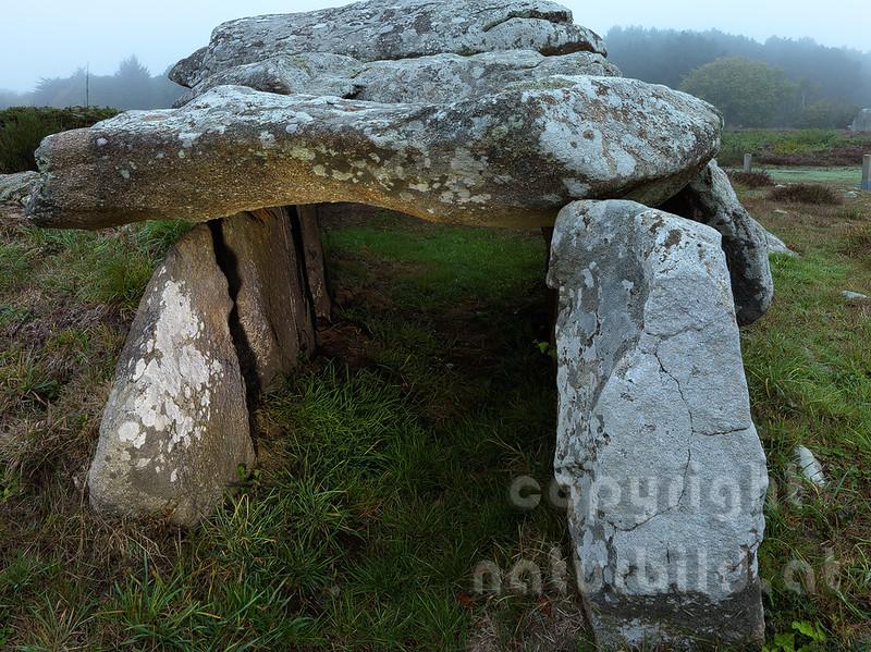 16B-06-106 - Dolmen von Kermario