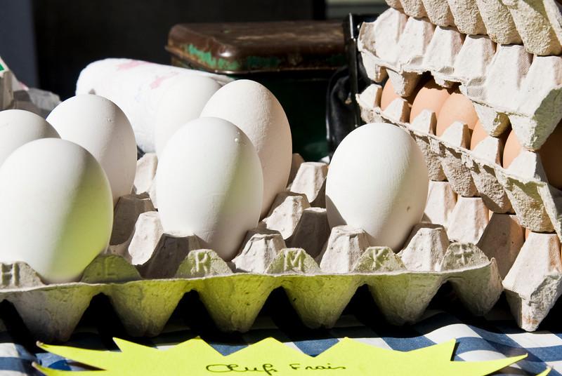 Giant Eggs!