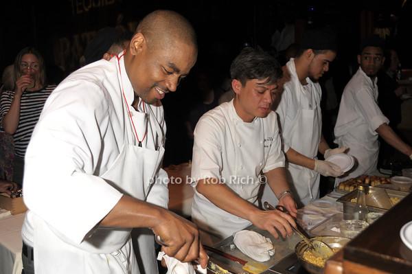 working the Lobster Mac n' Cheese photo by Rob Rich/SocietyAllure.com © 2014 robwayne1@aol.com 516-676-3939