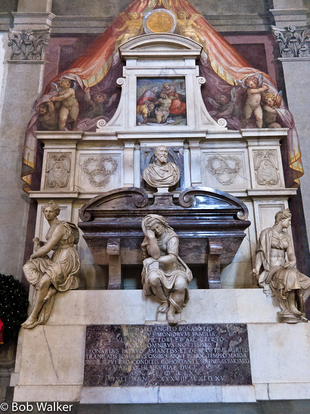 Basilica di Santa Croce- It is the burial place of some of the most illustrious Italians, such as Michelangelo, Galileo, Machiavelli, Foscolo, Gentile and Rossini. This is Michelangelo's tomb http://en.wikipedia.org/wiki/Basilica_of_Santa_Croce,_Florence