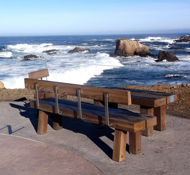 coast-trail-bench-01.jpg