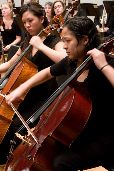 Leilani Ma (foreground) and Stephanie Hsu, cello -- Hopkins Symphony Orchestra, March 2008