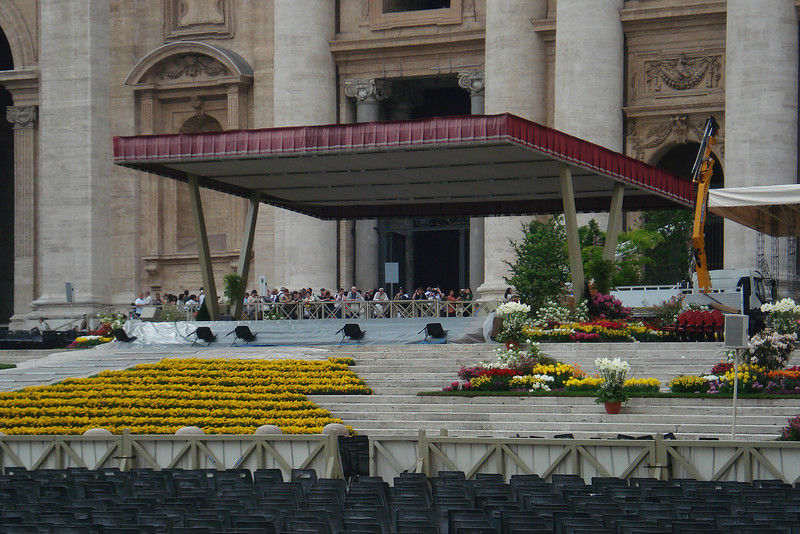 Papal Easter Mass Stand 3.jpg