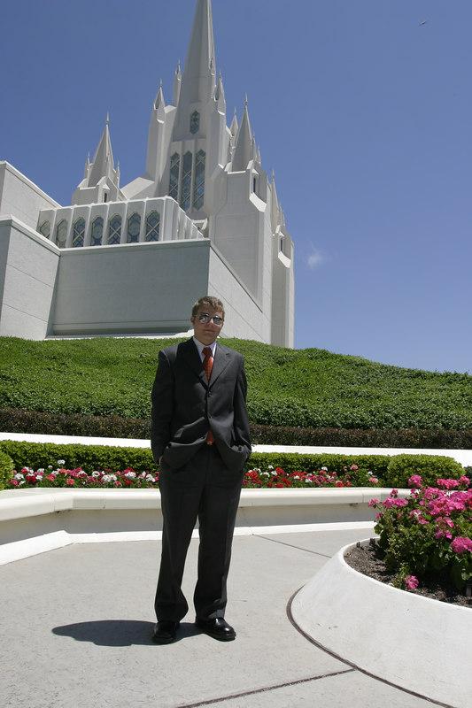 Kiel goes to the San Diego Temple