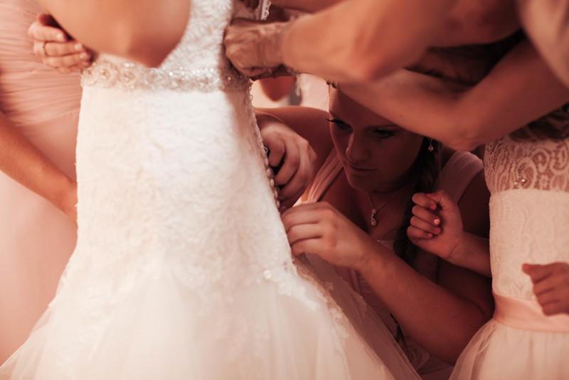 Matt & Erin Married _ getting ready  (29).jpg