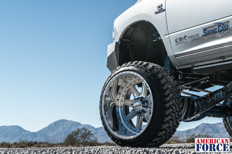 Ridin'-High-Silver-Dodge-Ram-161105-DSC02859-64.jpg