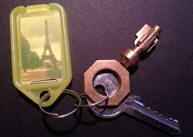 Paris_keys.jpg