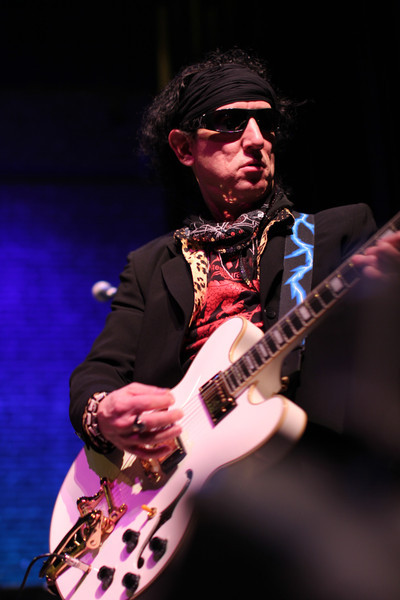 Barry Zion of the Jagged Stones shreds at Atlanta's Strand Theatre, NYE 2013.