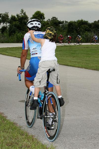 Cycling 9-4-06 G2 (17).JPG