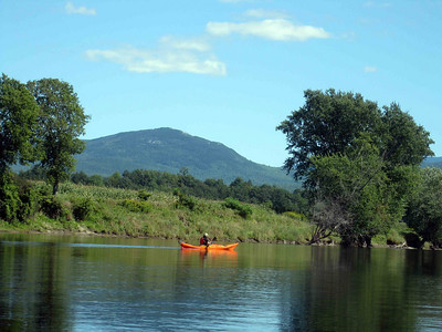 Con river kayak
