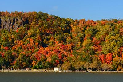 Hudson River Fall Foilage Seastreak tour