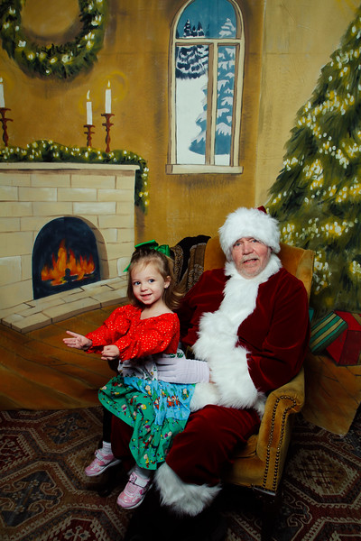 Pictures with Santa Earthbound 12.2.2017-027.jpg