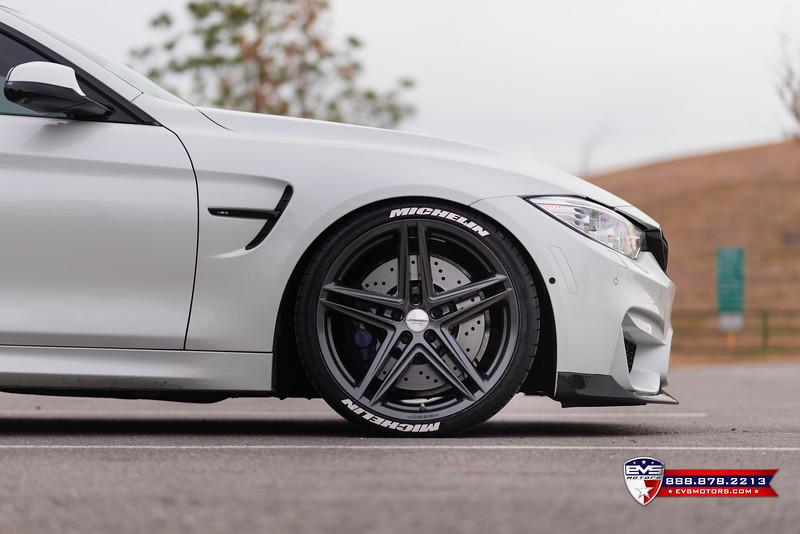 2016 BMW M4 Vossen VFS-5-21.jpg