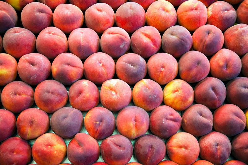 Peaches, Boqueria market, town of Barcelona, autonomous commnunity of Catalonia, northeastern Spain