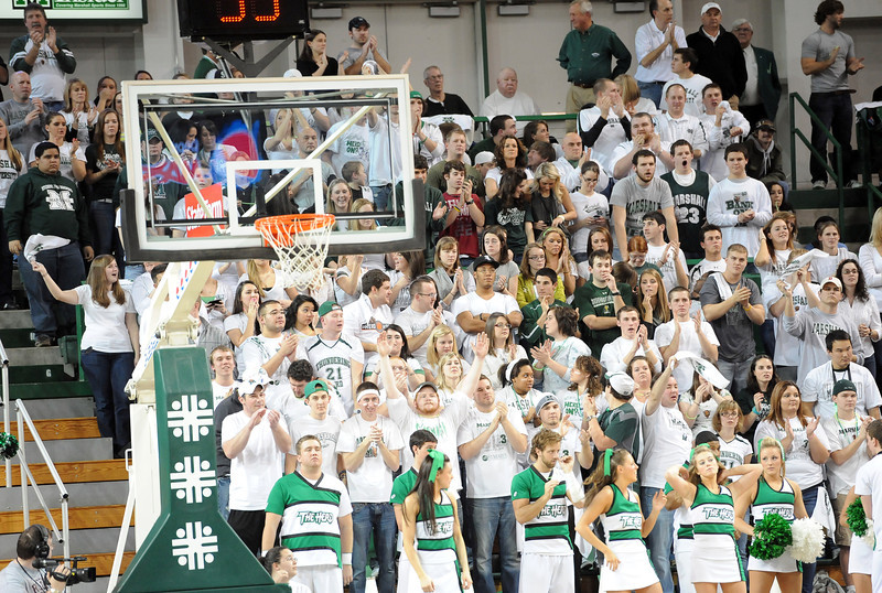 crowd0295.jpg