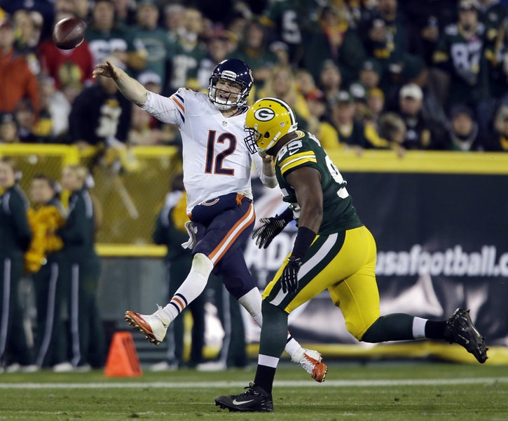 . <p><b> Lions at Bears (+2):</b> <p>Chicago�s Josh McCown will try to make it two straight victories in relief of injured Jay Cutler. It�ll be hard to replicate his Week 9 success in Green Bay, which was owed to the fact he wasn�t quite as lousy as the other team�s backup. <p>Pick: <b>Lions by 3</b> <p>    (AP Photo/Jeffrey Phelps)
