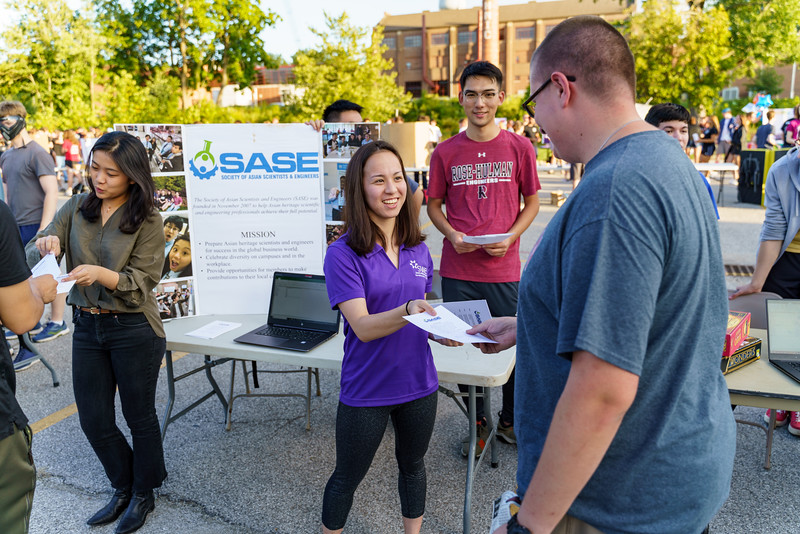 RHIT_Freshman_Move_In_2018_Student_Activities_Fair-1664.jpg