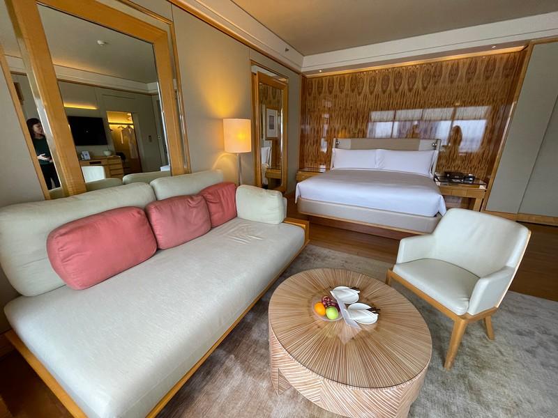 Ritz-Carlton Singapore Club Deluxe Marina Sofa Bed
