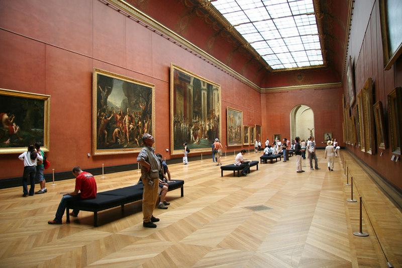 Inside Musee du Lourve