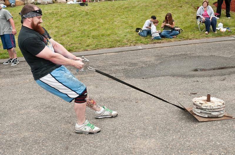 Fitness Revolution Strongman Challenge 2011_ERF4295.jpg