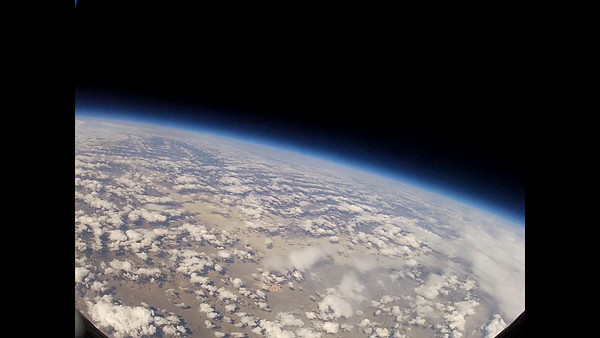 Ballon flight to the edge of space