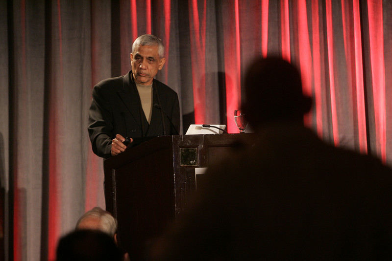 """Opening Night speaker Vinod Khosla -- founder of Khosla Ventures, co-founder of Daisy Systems, and founding CEO of Sun Microsystems -- presents """"Identifying Tomorrow's Energy Sources"""""""