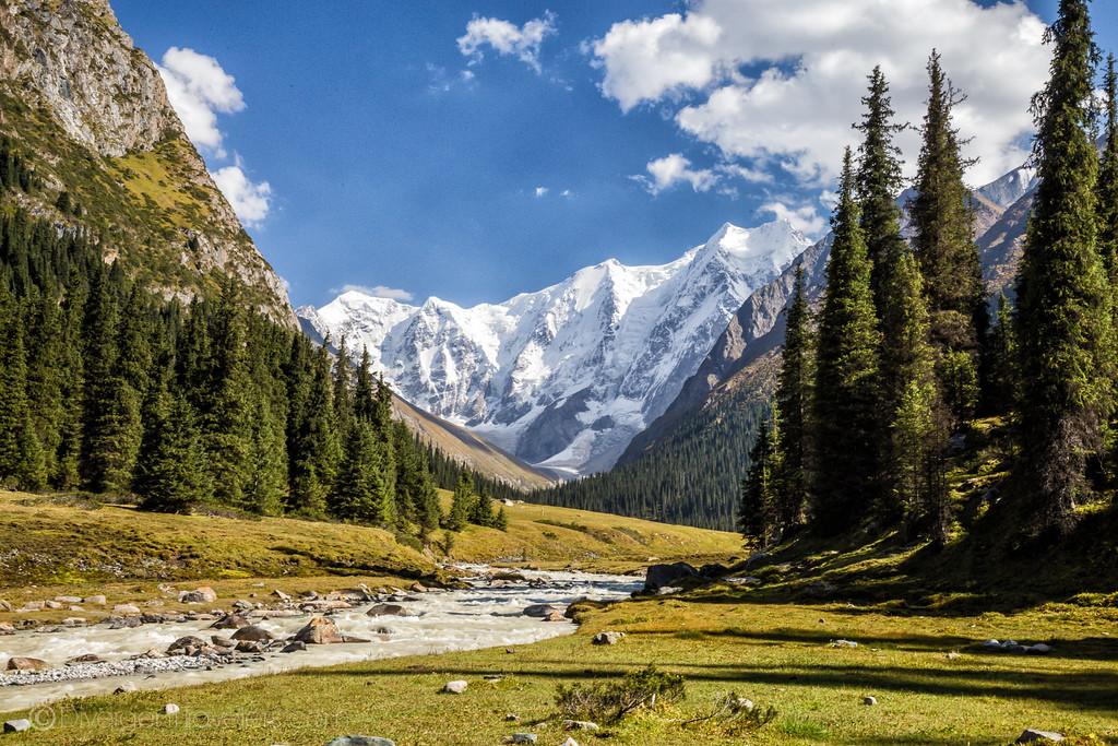 Kyrgyzstan Photos: Chon' Kyzyl Suu -Jeti Oguz Trek