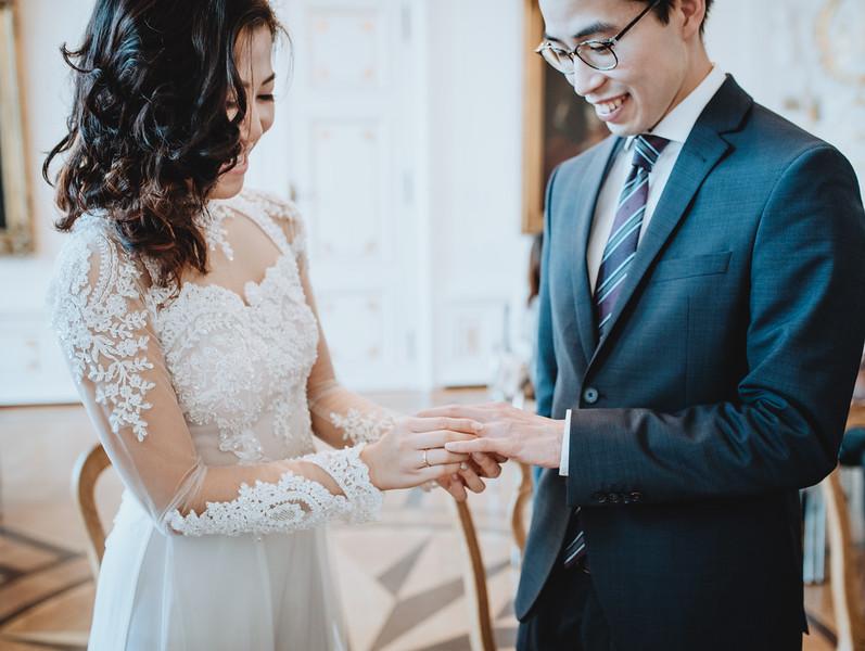 Hochzeitsfotograf-Hochzeit-Destination-Wedding-Photographer-Luxemburg-Elopement-Ngan-Hao-10.jpg