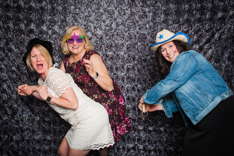 Lynn + Nancy Photobooth-86.jpg