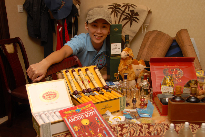 [20101009] BJ Home - Souveniers from Egypt Tour (7).JPG