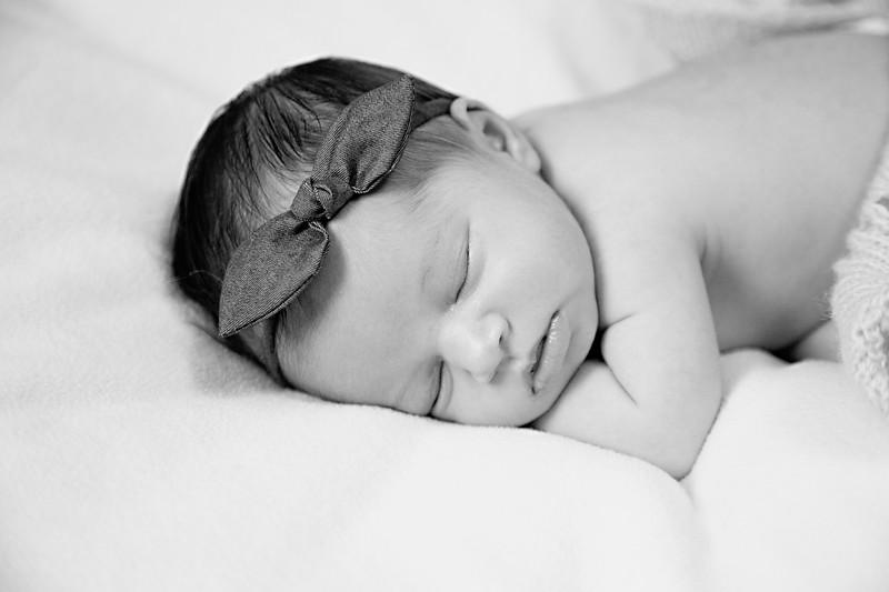 Eliana Brie - Newborn Pictures