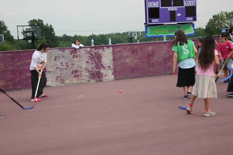 kars4kids_thezone_camp_GirlDivsion_activities_sports_hockey (7).JPG