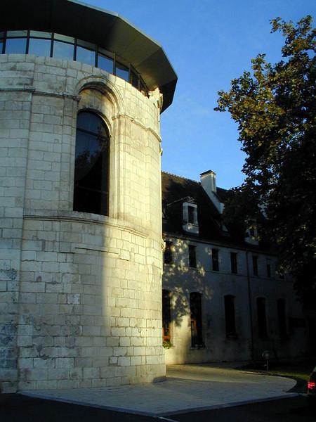 Bourges Hotel Le Bourbon 1 C-Mouton.jpg