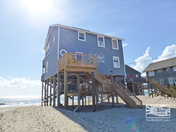 The Beach House R-8 Oceanfront Exterior