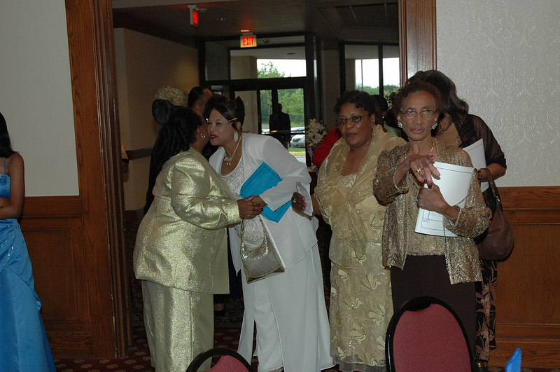 """Sisterhood Scholarship Services presents """"Service with Excellence and Vision"""" Scholarship Banquet Sigma Gamma Rho  Gamma Chi Sigma Wichita Alunmae Chapter May 6, 2006 Marriott Hotel 7:00pm."""