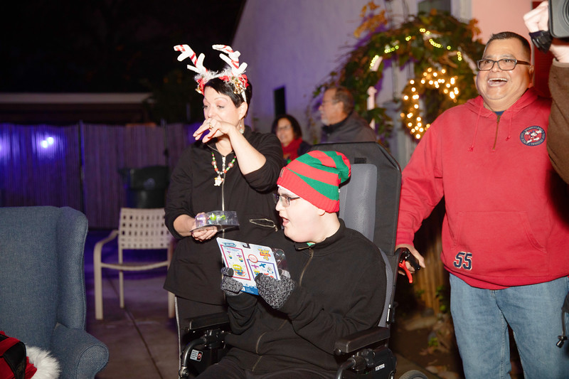 12-08-19-Christmas With Chris & Family-6.jpg