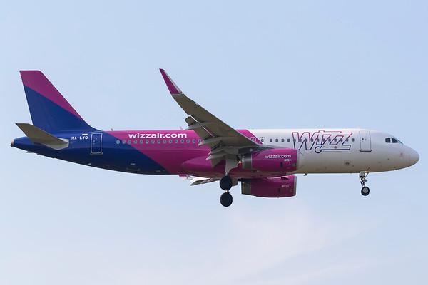 HA-LYQ - Airbus A320-232