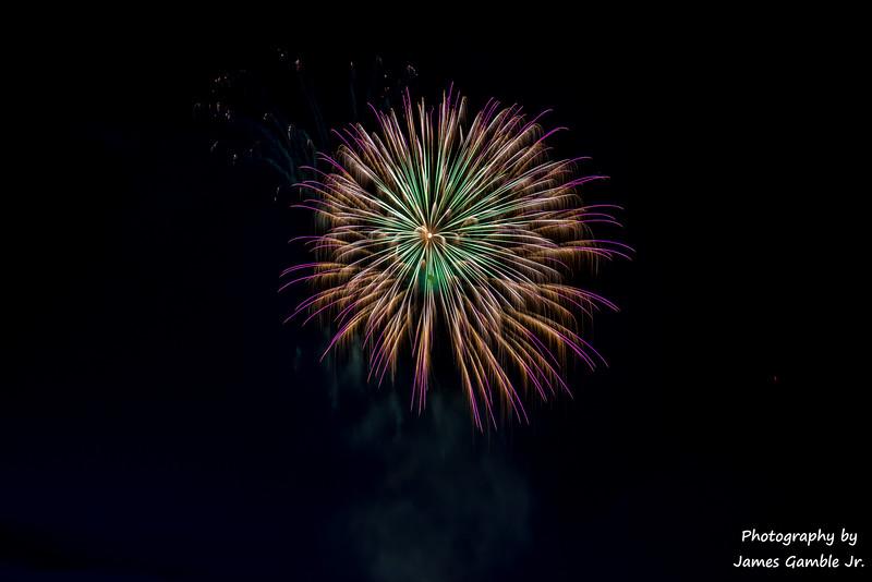 Fourth-of-July-Fireworks-2016-0335.jpg