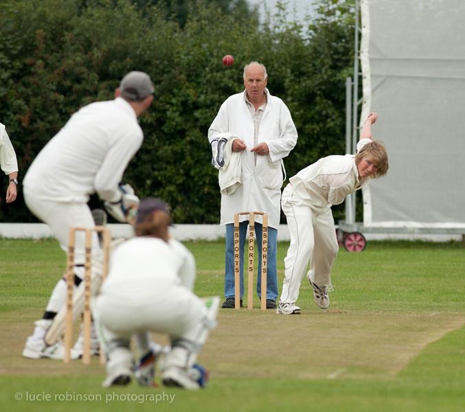 110820 - cricket - 009-2.jpg